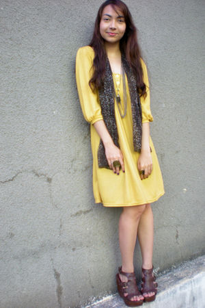 brown Parisian shoes - yellow Tomato dress - brown thrifted scarf