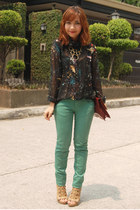 black romwe shirt - green Zara jeans - maroon vintage purse - tan Parisian heels