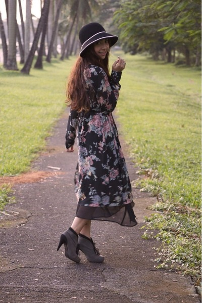 black hat - gray Parisian boots - black vintage dress