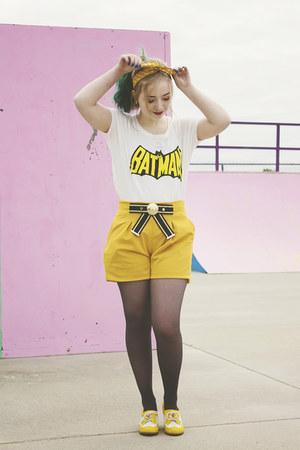 romwe shirt - romwe shorts - modcloth heels - modcloth hair accessory