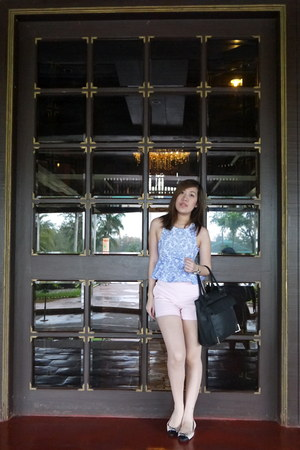 light pink Zara shorts - blue H&M top