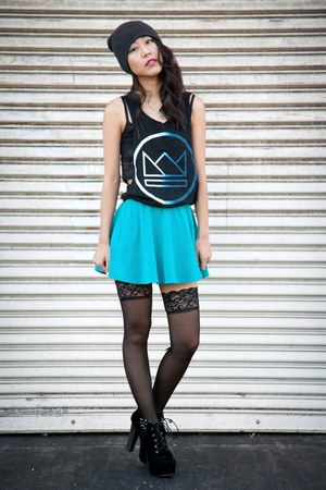 blue circle skirt Forever 21 skirt - black boots - gray knit beanie hat