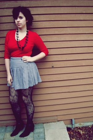 gray thrifted skirt - black Target tights - black thrifted shoes - red target sh