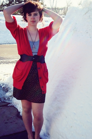 gold thrifted skirt - red American Eagle cardigan - gray Target top - black For