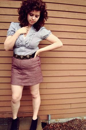 red thrfited skirt - gold Urban Outfitters belt - silver blouse - black thrifted