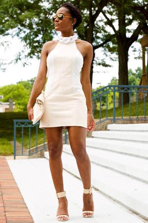 neutral Guess heels