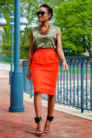 red French Connection skirt