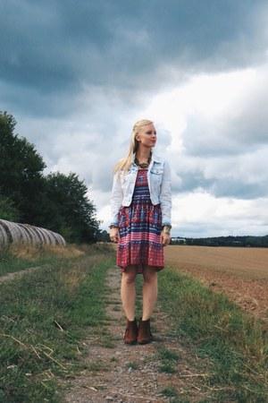 light blue denim Charlotte Ruse jacket - dark brown fringe ami clubwear boots