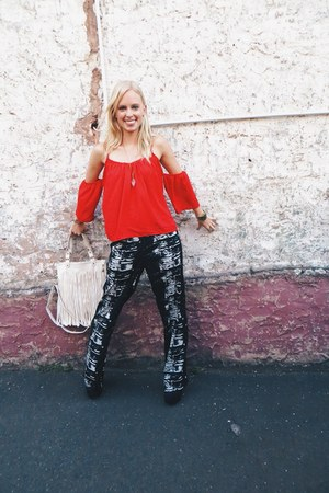 ruby red off shoulder chicnova top - ivory fringe chicnova bag - black deb pants