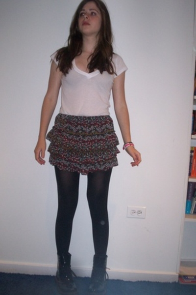Urban Outfitters t-shirt - forever 21 skirt - Marks & Spencer tights - doc marte