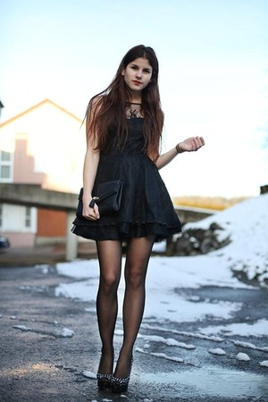 black lace dress - black H&amp;M bag - black studded Louboutin heels