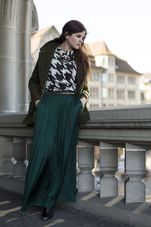 teal maxi Zara skirt - black toe cap H&M boots - army green Cozbest coat