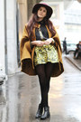 Boots-h-m-hat-greek-print-shirt-baroque-skirt-zalando-collection-cape
