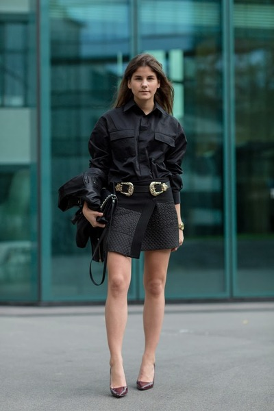 black wrap skirt - black shirt - brick red Semilla pumps