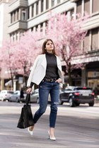 CASUAL-CHIC UNDER CHERRY TREES