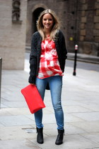 red Isabel Marant shirt - black Sasha boots - blue H&M maternity jeans