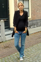 black H&M blazer - blue H&M maternity jeans - black H&M t-shirt