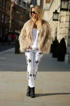 white unknown jeans - black Sacha boots - beige Zara coat - white Zara shirt
