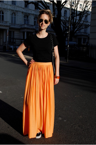 Maxi Skirt Sneakers - How to Wear and Where to Buy | Chictopia