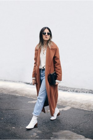 white Zara boots - brown Stylenanda coat - light blue boyfriend Zara jeans