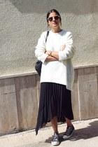 black Onna Ehrlich bag - white Zara sweater - beige Spitfire sunglasses