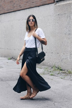 black PROENZA SCHOULER bag - silver Mykita x Margiela sunglasses