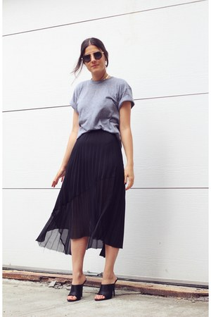 black Zara skirt - heather gray American Apparel t-shirt