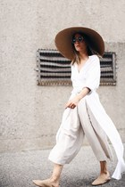 brown The Dreslyn hat - white Rodebjer shirt - off white oakfort pants