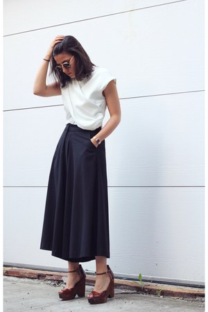 off white Front Row Shop top - black Front Row Shop pants - crimson Zara wedges