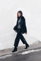 black suede Zara boots - navy H&M jacket