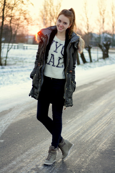 Zara coat - H&M jeans - Mango sweater - Primark sneakers