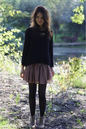 Black Knitted Sweater - How to Wear and Where to Buy | Chictopia