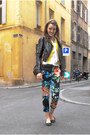 Black-floral-h-m-pants-yellow-vintage-blazer