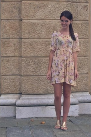 light yellow vintage dress - gold Primark sandals