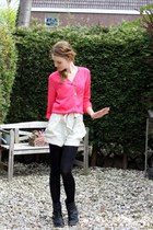 black Newlook boots - cream H&M Garden shorts - hot pink Primark blouse