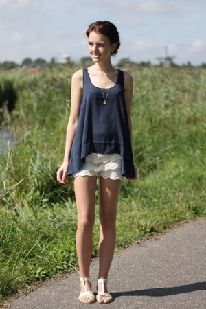 cream crochet lace unknown shorts - navy Mango top - gold golden Primark sandals