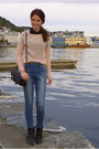 Navy-primark-jeans-peach-thrifted-sweater