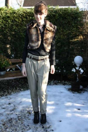 beige Zara pants - black H&M blouse - black Bristol boots - dark brown Faux fur