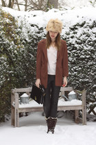 cream H&M hat - dark brown Hub boots - brown vintage blazer - neutral H&M top