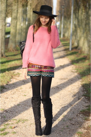 hot pink knitted Primark sweater - black faux leather Primark bag