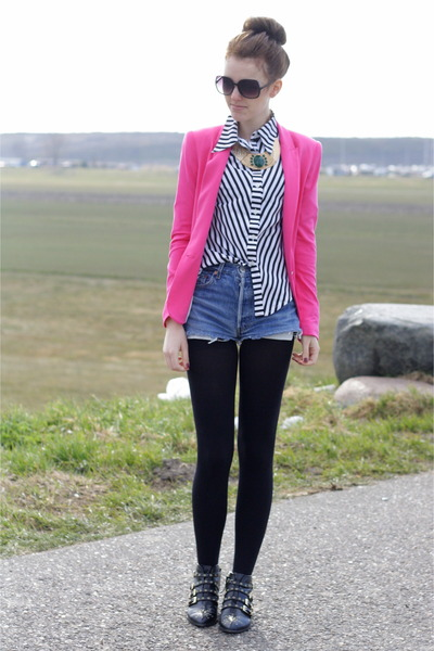 pink Zara blazer - studded Zara boots - levis 501 vintage shorts