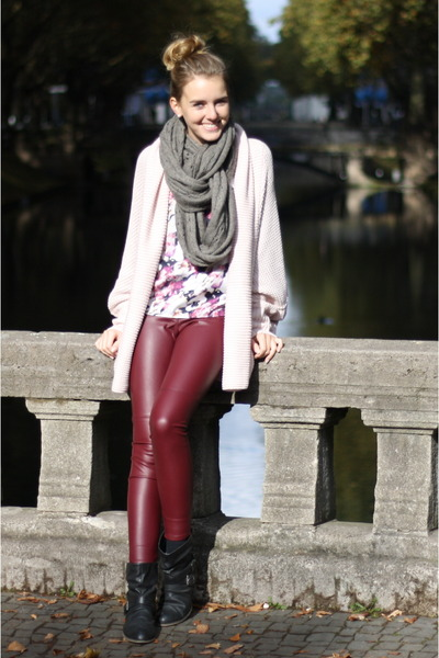 H&M scarf - Newlook boots - H&M pants - Primark top - NewYorker cardigan