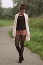 Black-primark-boots-coral-lace-forever21-shorts-black-primark-top