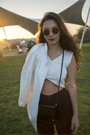 black vintage bag - white Stradivarius blazer - forest green ray-ban sunglasses