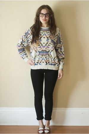 heather gray navajo print vintage sweater - black skinny wilfred jeans
