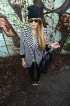 pied de poule EASTCLOTHESCOM blazer - oversize beanie H&M hat