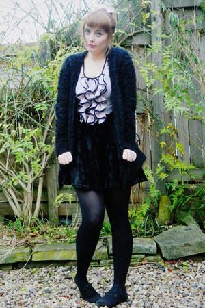 black velvet skater Primark skirt - light pink ruffle front Lipsy top