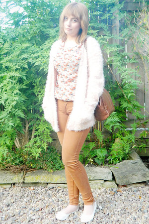 tawny skinny Cafe Society jeans - nude fox print River Island top