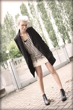 black H&amp;M blazer - beige Topshop skirt - beige All Saints top - black Colours sh