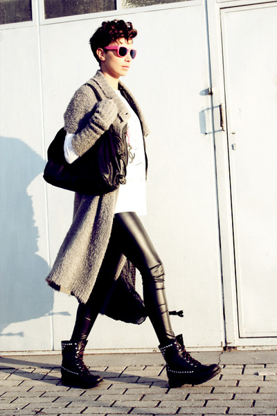 black ASH boots - gray Almeria coat - black H&M leggings - hot pink Bernhard Wil